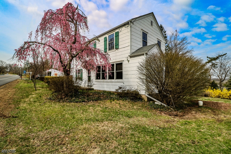 Частный односемейный дом для того Продажа на 1329 ROUTE 179 West Amwell, Нью-Джерси 08530 Соединенные Штаты