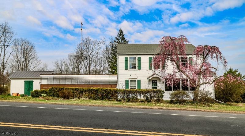 Maison unifamiliale pour l Vente à West Amwell, New Jersey 08530 États-Unis