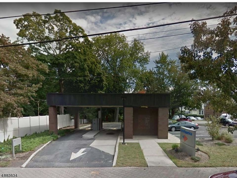 Commercial for Rent at Allendale, New Jersey 07401 United States