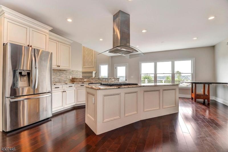Additional photo for property listing at  Totowa, Νιου Τζερσεϋ 07512 Ηνωμένες Πολιτείες