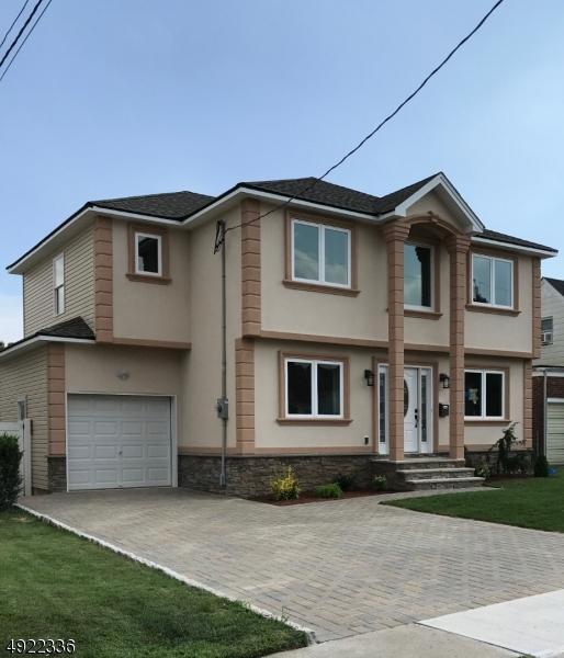 Single Family Homes 為 出售 在 Elmwood Park, 新澤西州 07407 美國