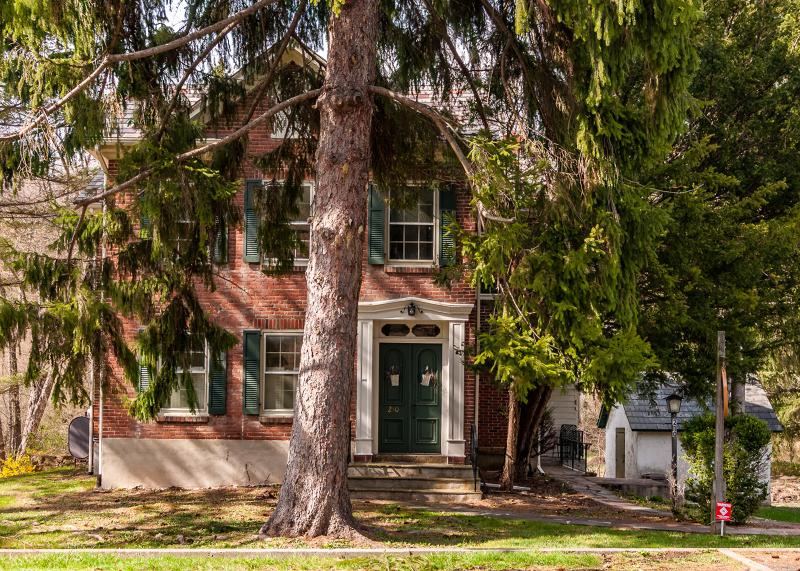 独户住宅 为 销售 在 210 Church Road 米尔福德, 08848 美国