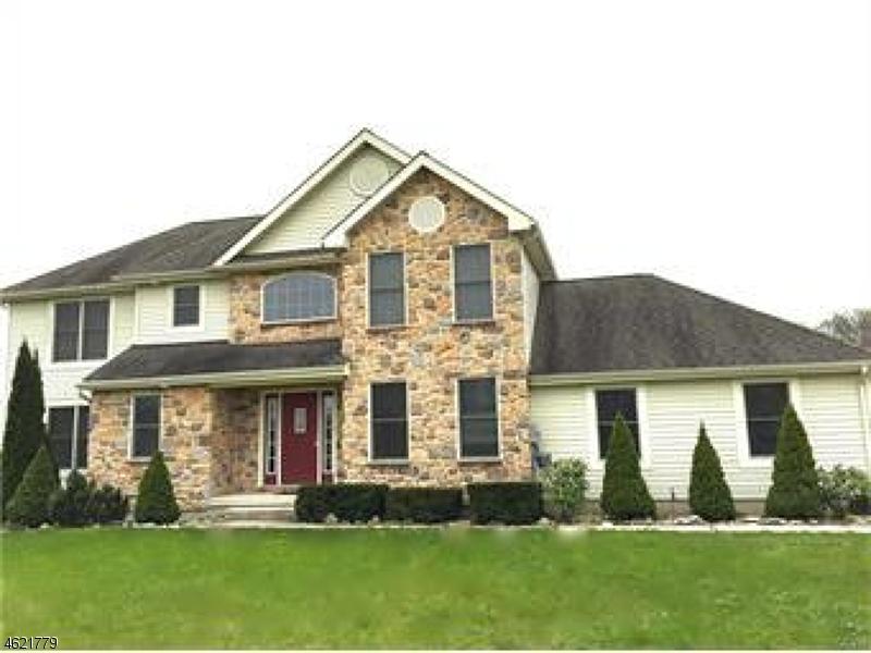 独户住宅 为 销售 在 139 Crystal Ter Mount Bethel, 宾夕法尼亚州 18343 美国