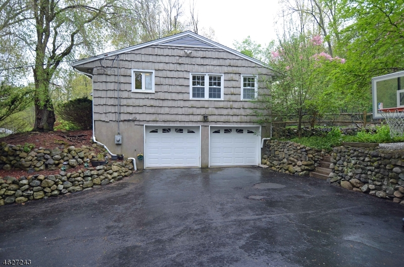 Additional photo for property listing at 9 Coldstream Lane  Saddle River, Нью-Джерси 07458 Соединенные Штаты