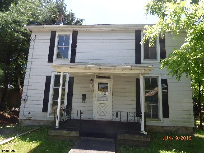 Maison unifamiliale pour l Vente à 29 S Jackson Avenue Washington, New Jersey 07882 États-Unis