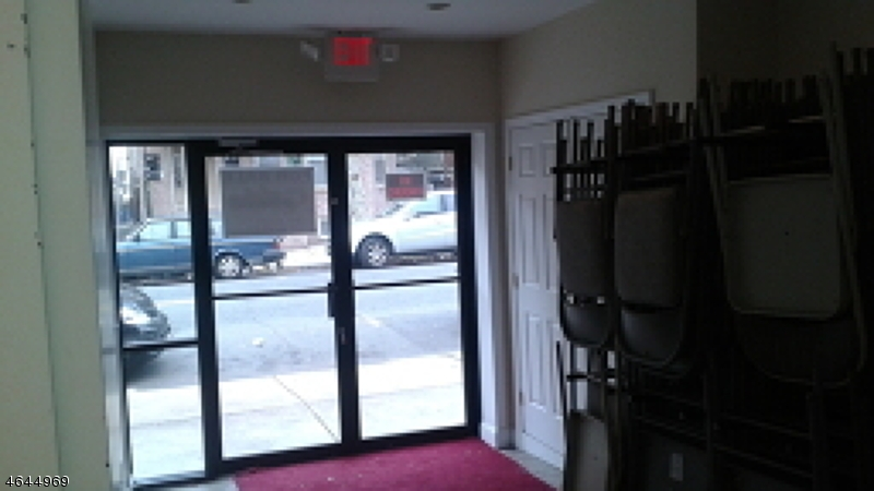 Additional photo for property listing at 358 WALNUT Street  Newark, Nueva Jersey 07105 Estados Unidos