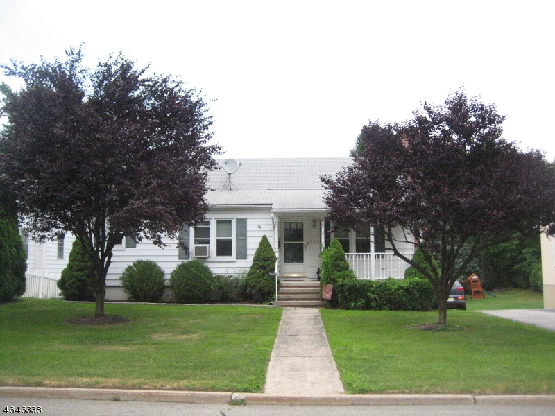 Additional photo for property listing at 103 Lake Avenue  Newton, New Jersey 07860 États-Unis
