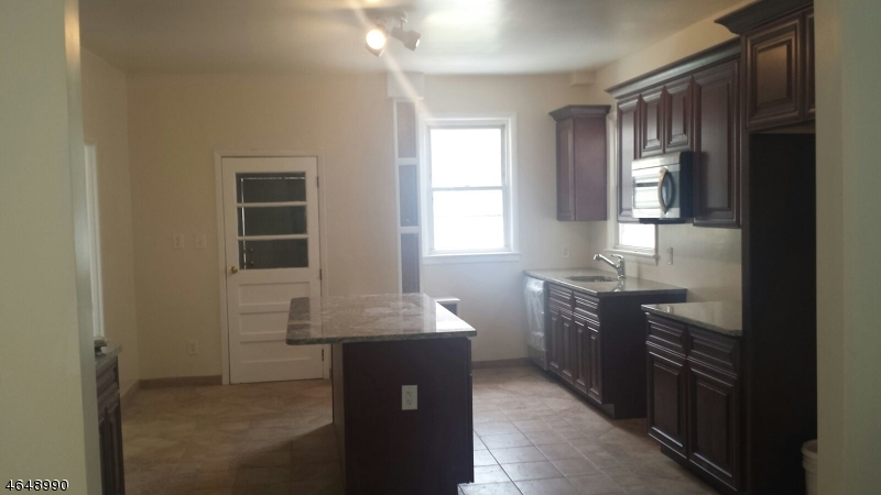 Additional photo for property listing at 243 Conant Street  Hillside, Nueva Jersey 07205 Estados Unidos