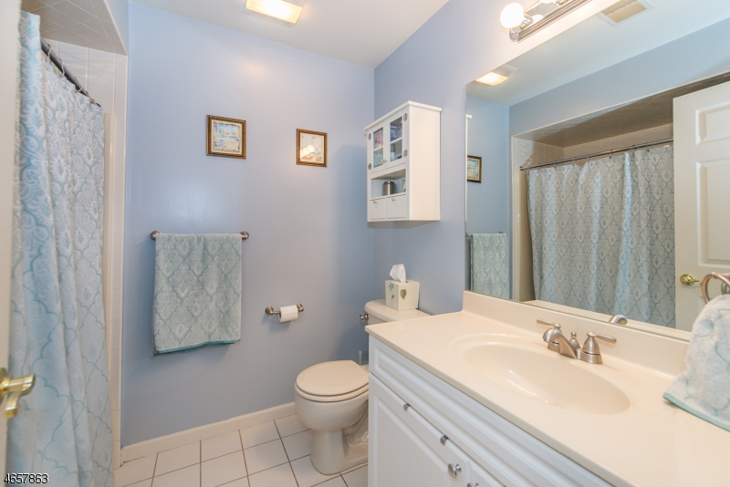 Additional photo for property listing at 1178 Lake Ave, UNIT 8  Clark, Нью-Джерси 07066 Соединенные Штаты