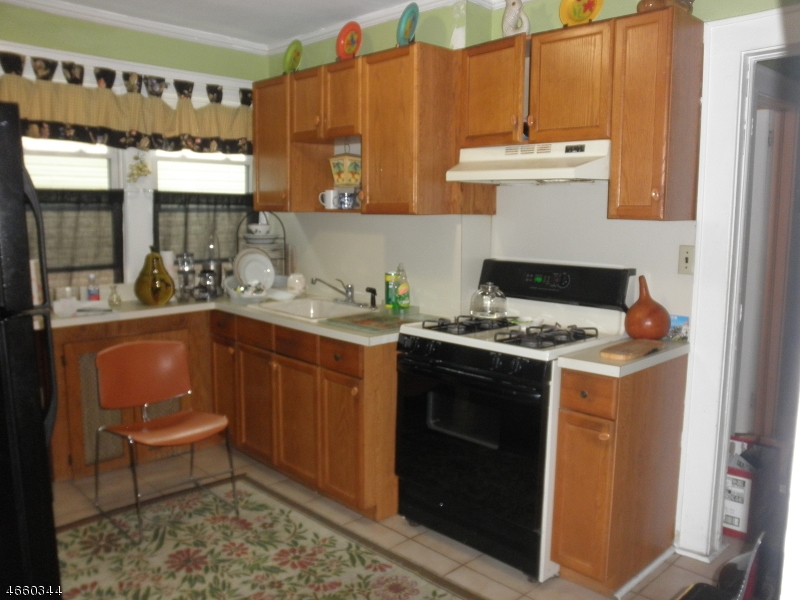 Additional photo for property listing at 114 Pine Grove Ter  纽瓦克市, 新泽西州 07106 美国