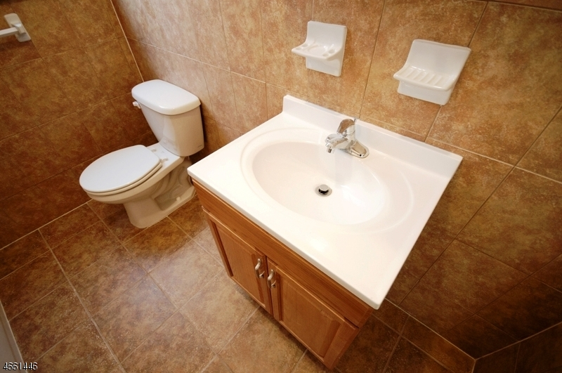Additional photo for property listing at 235 S 11th Street  Newark, New Jersey 07107 États-Unis