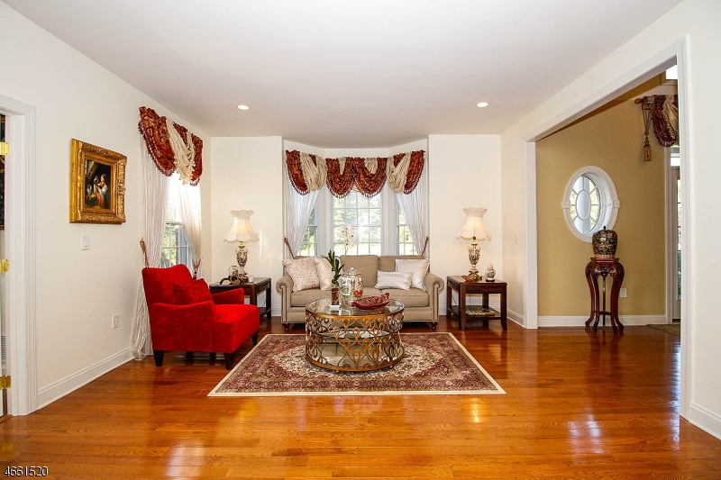 Additional photo for property listing at 4 Blueberry Hl  Marlboro, Nueva Jersey 07746 Estados Unidos