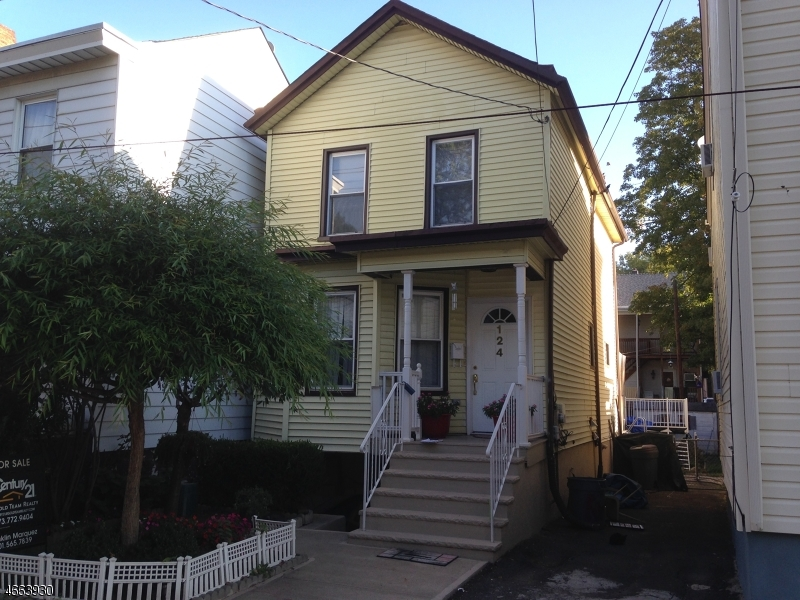 Single Family Home for Sale at 124 REDWOOD Avenue Paterson, New Jersey 07502 United States