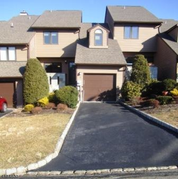 独户住宅 为 出租 在 14 Davey Drive 西奥兰治, 新泽西州 07052 美国