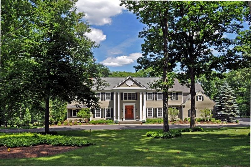 Casa Unifamiliar por un Alquiler en 101 Boulderwood Drive Bernardsville, Nueva Jersey 07924 Estados Unidos