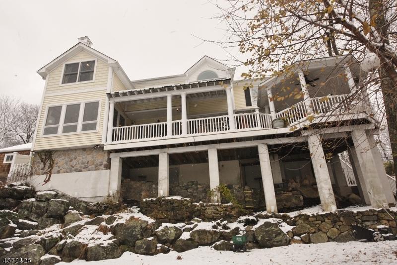 Частный односемейный дом для того Продажа на 311 Maxim Drive Hopatcong, 07843 Соединенные Штаты