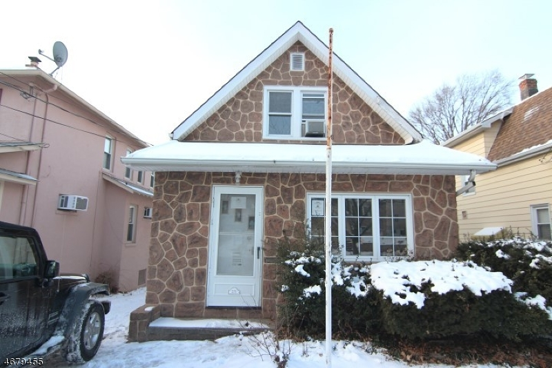 Single Family Home for Sale at 275 Travers Place Lyndhurst, 07071 United States