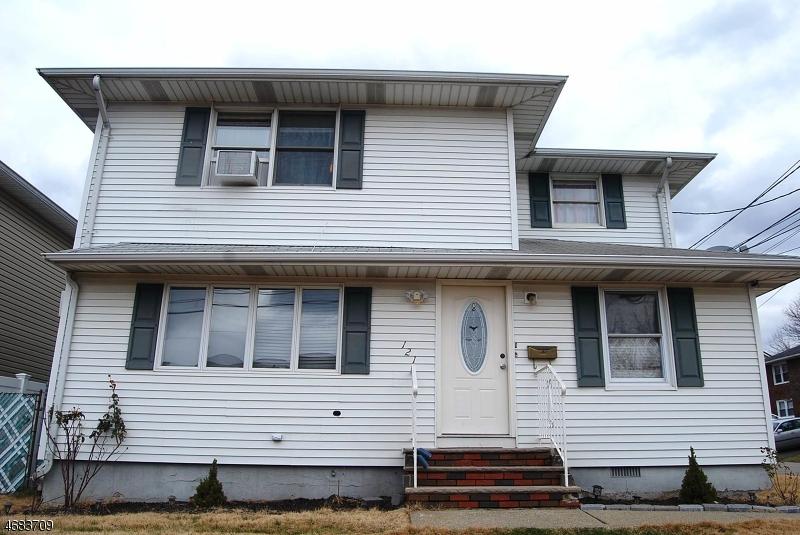 Частный односемейный дом для того Аренда на 121 Saint Joseph Blvd Lodi, Нью-Джерси 07644 Соединенные Штаты