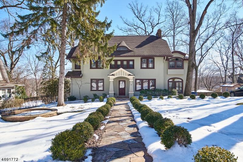 Casa Unifamiliar por un Venta en 33 Chestnut Road Verona, Nueva Jersey 07044 Estados Unidos