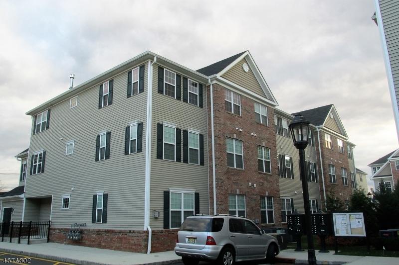 独户住宅 为 出租 在 33 Station Sq Union, 新泽西州 07083 美国