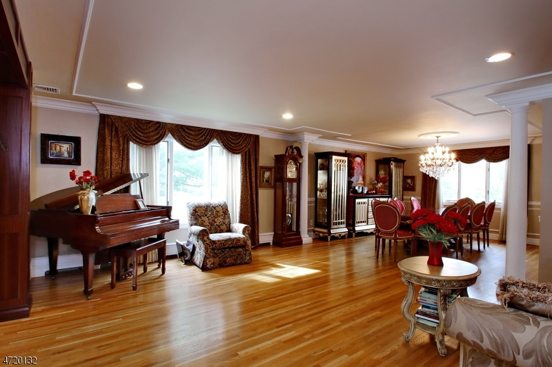 Additional photo for property listing at 9-15 GREEN Court  Passaic, New Jersey 07055 États-Unis