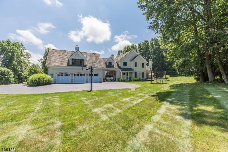 Additional photo for property listing at 8 Ashland Ter  Chester, ニュージャージー 07930 アメリカ合衆国