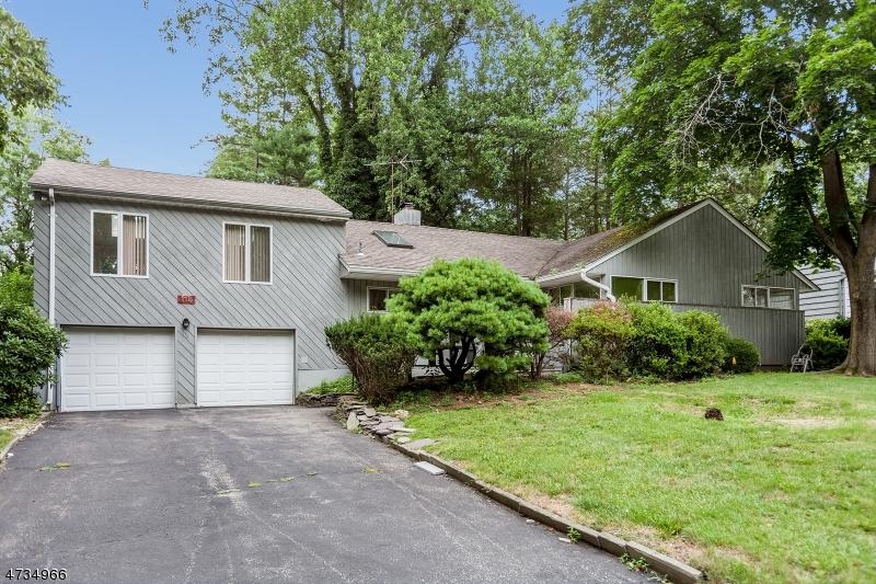 Casa Unifamiliar por un Venta en 116 Saddlewood Drive Hillsdale, Nueva Jersey 07642 Estados Unidos