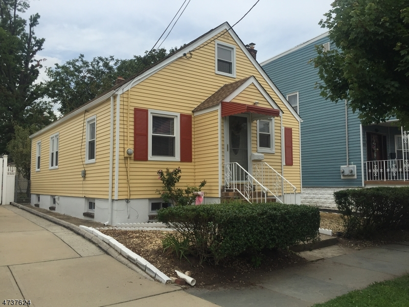 Single Family Home for Rent at 327 Highland Avenue Kearny, New Jersey 07032 United States