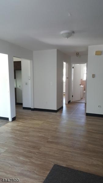 Частный односемейный дом для того Аренда на 550 Lafayette Avenue Hawthorne, Нью-Джерси 07506 Соединенные Штаты