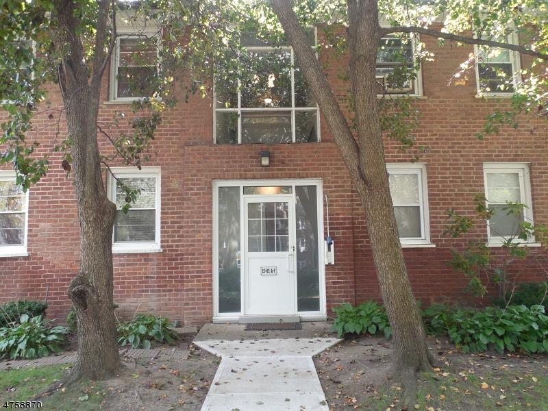 Casa Unifamiliar por un Alquiler en 25-02 High St, APT F Fair Lawn, Nueva Jersey 07410 Estados Unidos