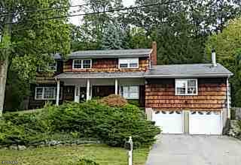Single Family Home for Sale at 15 Bean Court Wanaque, New Jersey 07465 United States
