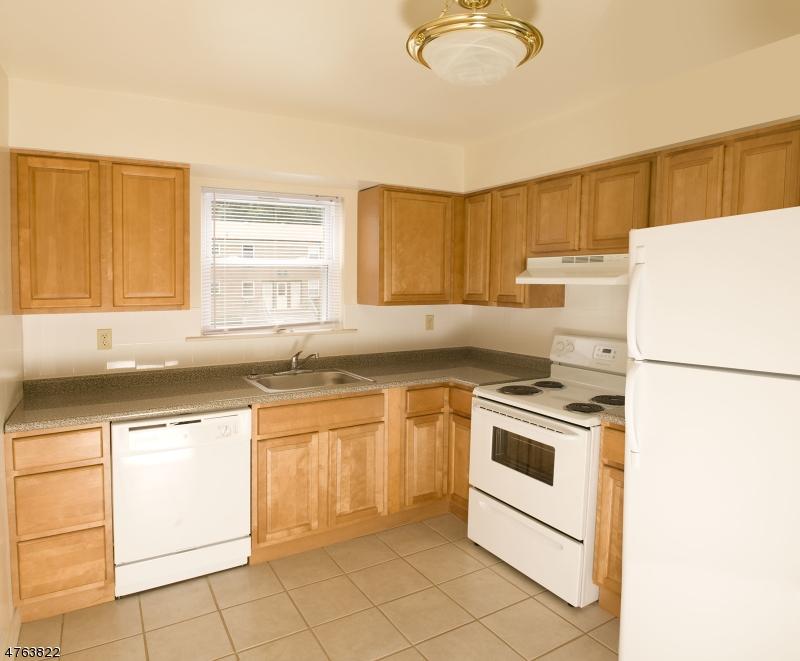 Casa Unifamiliar por un Alquiler en 50 Kingsarrow Road Mount Olive, Nueva Jersey 07828 Estados Unidos