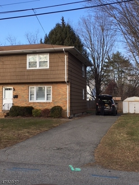Частный односемейный дом для того Аренда на 2 Father Hayes Drive Wanaque, Нью-Джерси 07420 Соединенные Штаты
