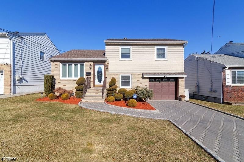 Casa Unifamiliar por un Venta en 8 Vanderbilt Place North Arlington, Nueva Jersey 07031 Estados Unidos