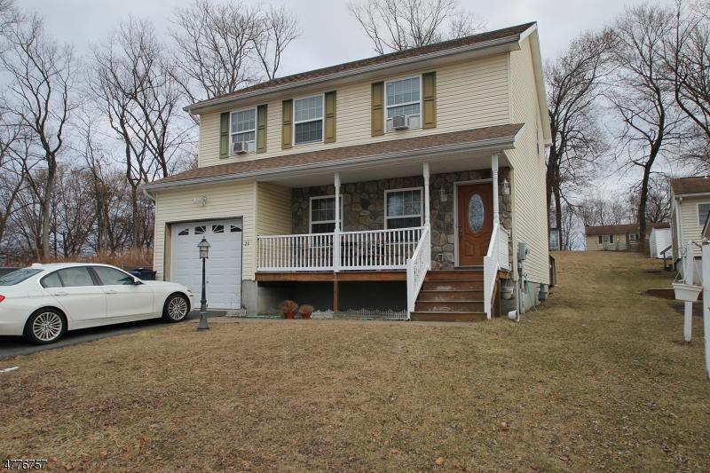 Einfamilienhaus für Verkauf beim 29 Orchard Street 29 Orchard Street Newton, New Jersey 07860 Vereinigte Staaten