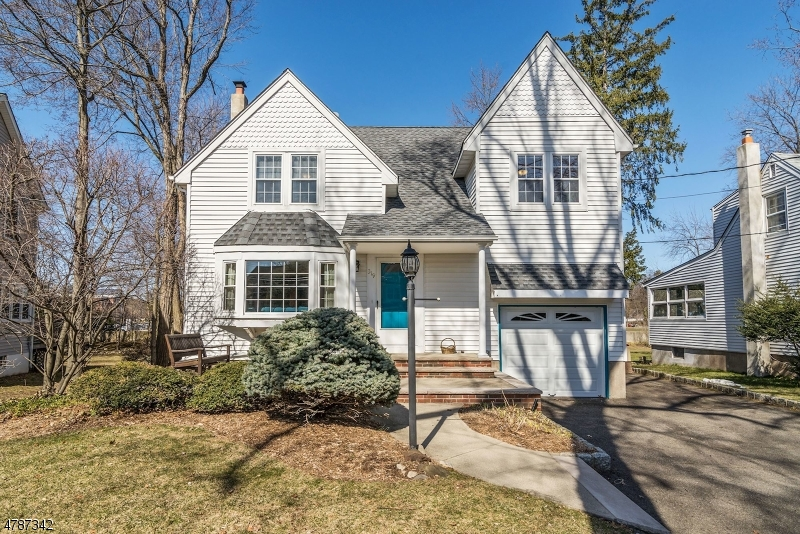 Single Family Home for Sale at 319 Marshall Street Ridgewood, New Jersey 07450 United States