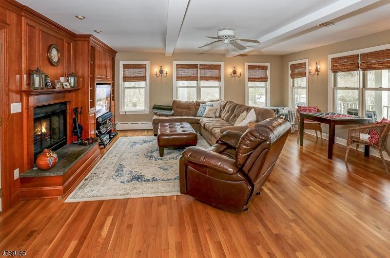 Enfamiljshus för Hyra vid 4 CENTER Drive Mountain Lakes, New Jersey 07046 Usa
