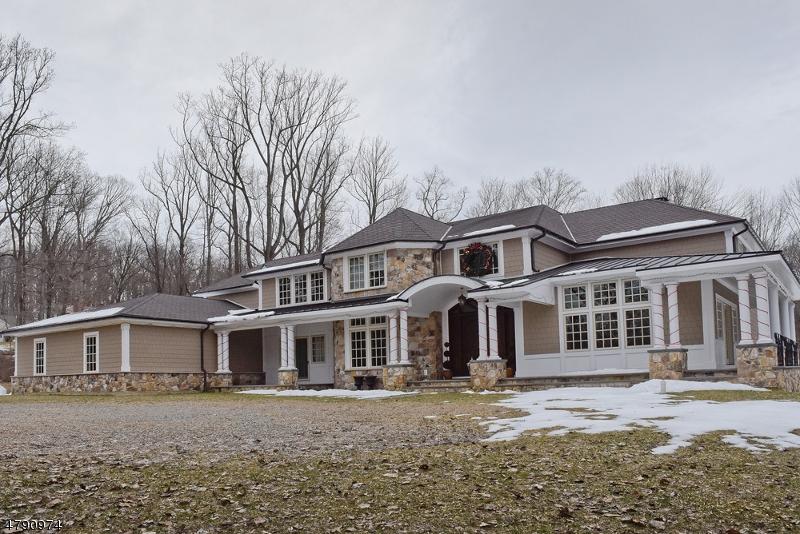 Maison unifamiliale pour l Vente à 41 Oak Knoll Road Mendham, New Jersey 07945 États-Unis