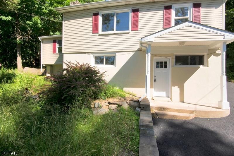 Vivienda unifamiliar por un Venta en 130 HILLSIDE Drive Andover, Nueva Jersey 07860 Estados Unidos