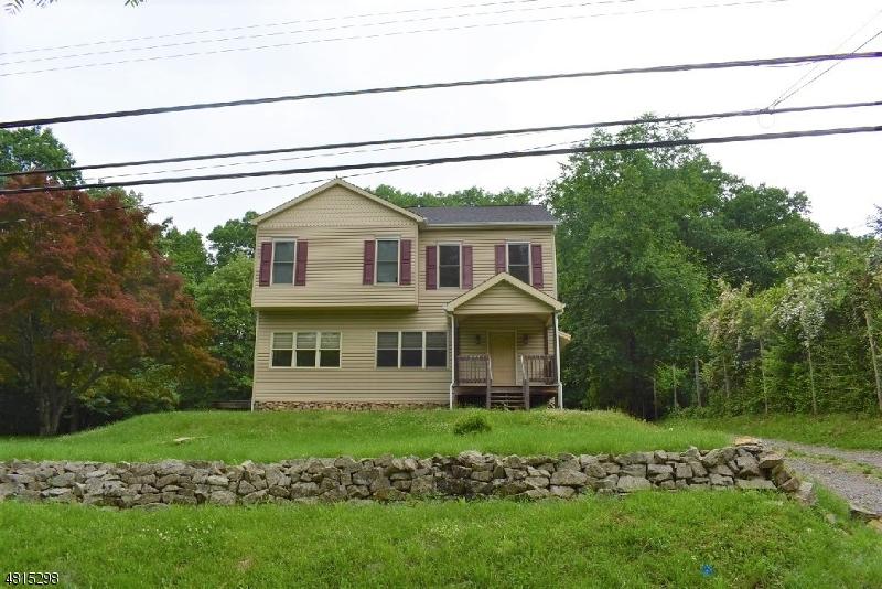 Частный односемейный дом для того Продажа на 17 Highland Avenue Peapack Gladstone, Нью-Джерси 07931 Соединенные Штаты