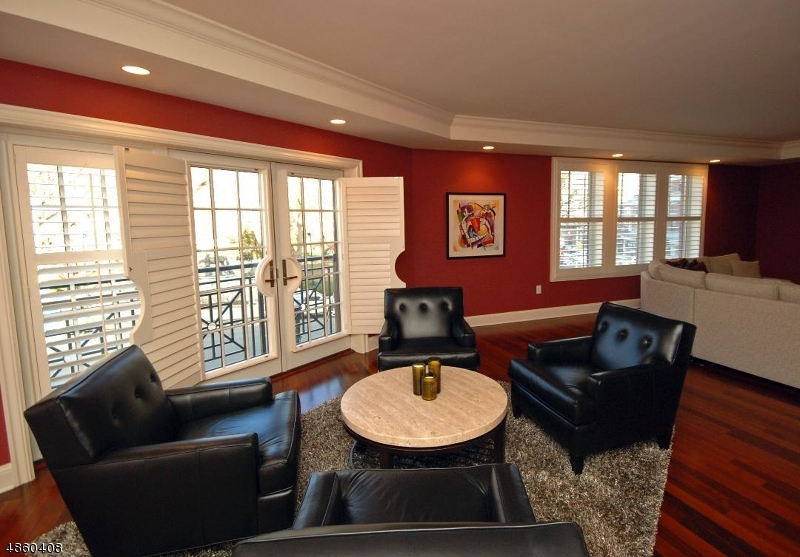Condo / Townhouse for Sale at 40 W Park Place Unit 209 Morristown, New Jersey 07960 United States