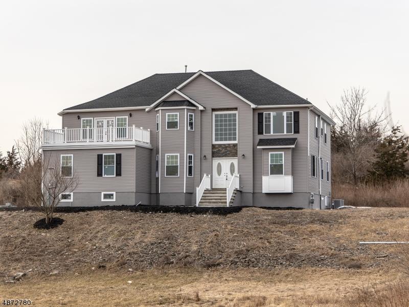 Enfamiljshus för Försäljning vid 10 ROUTE 519 Hampton, New Jersey 07860 Förenta staterna
