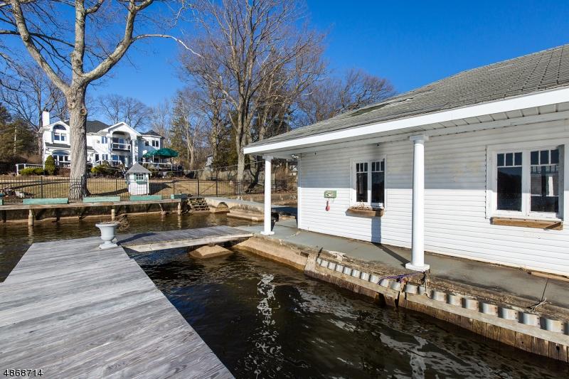 Villa per Vendita alle ore 219 S NEW JERSEY Avenue Jefferson Township, New Jersey 07849 Stati Uniti