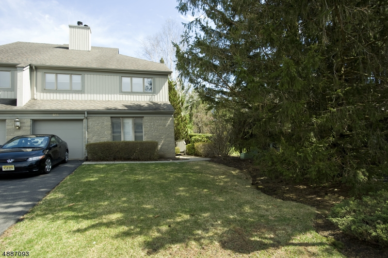 Condominium for Sale at 615 BLUE RIDGE LN 615 BLUE RIDGE LN Mahwah, New Jersey 07430 United States