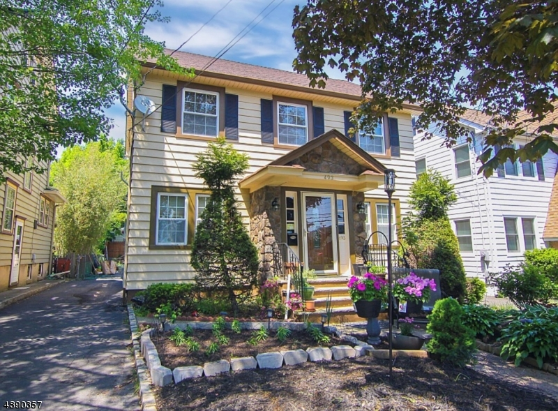 single family homes для того Продажа на Bloomfield, Нью-Джерси 07003 Соединенные Штаты
