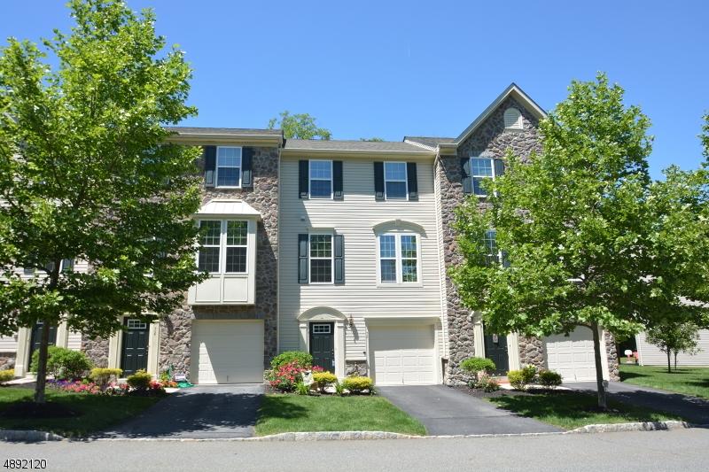 Condominio / Townhouse per Vendita alle ore Mine Hill, New Jersey 07803 Stati Uniti