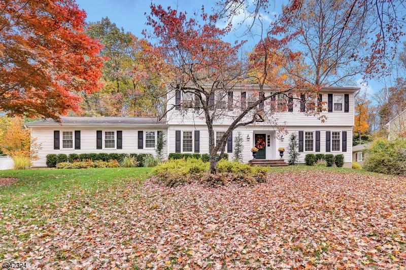 Single Family Homes för Försäljning vid Wyckoff, New Jersey 07481 Förenta staterna