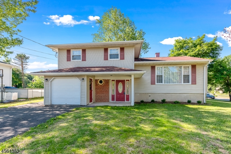 Single Family Homes 为 销售 在 Mount Olive, 新泽西州 07836 美国