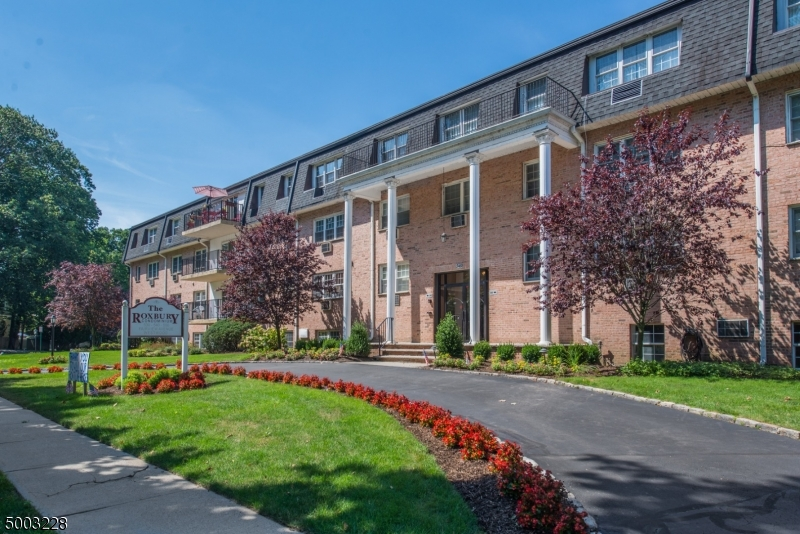 Condo / Townhouse for Sale at Westwood, New Jersey 07675 United States