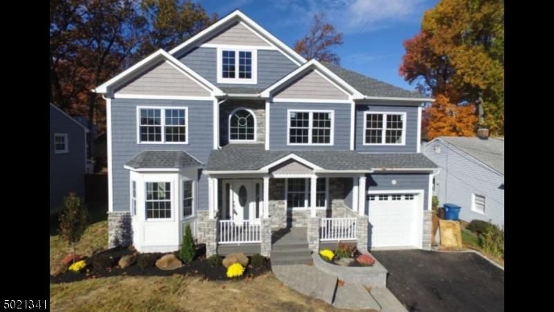 Single Family Homes 為 出售 在 Clifton, 新澤西州 07013 美國